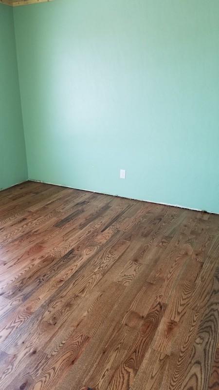 Finished Floor. Hickory Hardwood Floor: